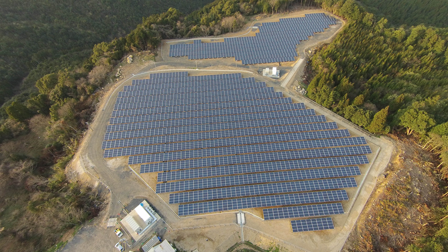 津奈木太陽光発電所の様子